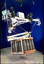 RoboCrane Tetra picks up a pallet