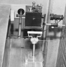NBS gold leaf electroscope