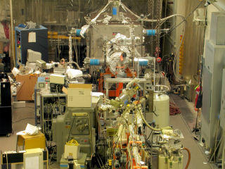 Beamline 2 end-station and clean room