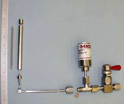 Photograph of Sieverts' reactor, including the storage device.