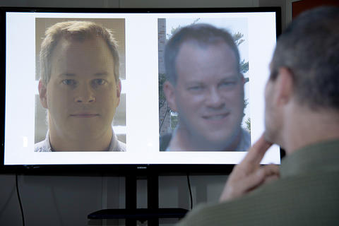 a forensic face examiner considers whether two images show the same person