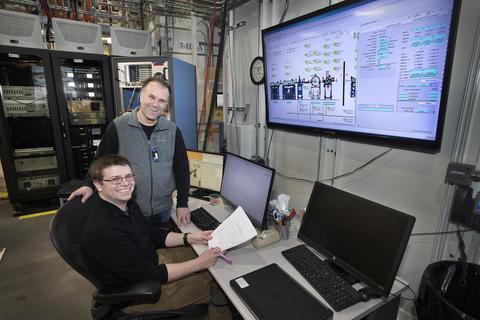 Pratt & Whitney Senior Engineer Chris Pellicone (left) with NIST's Bruce Ravel (right) at the Beamline for Material Measurement (BMM)