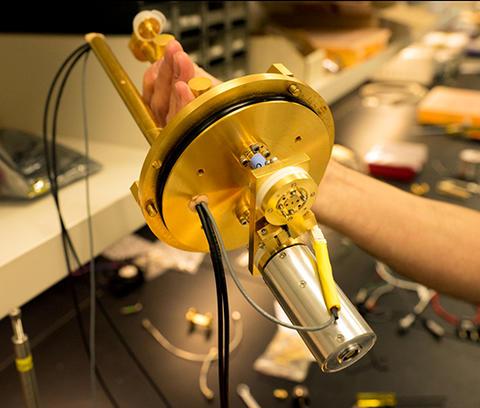 gold apparatus