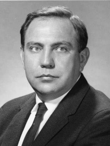 Headshot of James Leiss