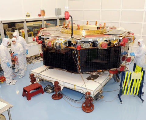 Stellar Solutions photo of engineers.