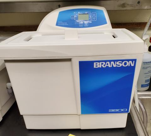 A146 Branson 3800 Ultrasonic Cleaner