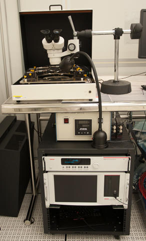 Photograph of the Keithley 4200 SCS parametric test system.