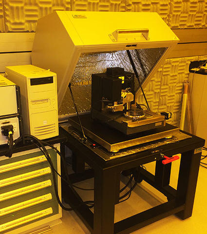 Photograph of the Veeco Dimension 3100 Atomic Force Microscope.
