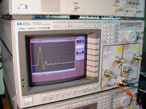 Traceable mismatch-corrected 50 gigahertz microwave oscilloscope calibration with an EOS-characterized photodetector
