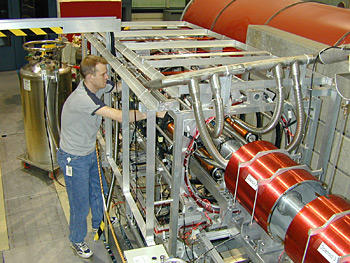 physicist Pieter Mumm using the emiT detector