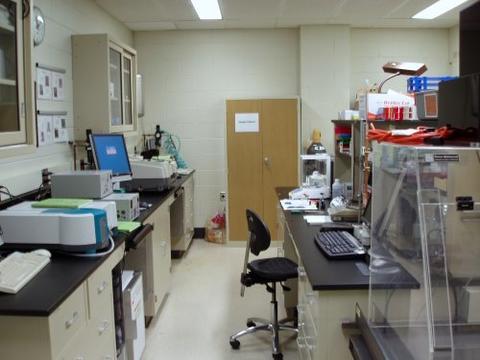 NCNR Laboratory E136