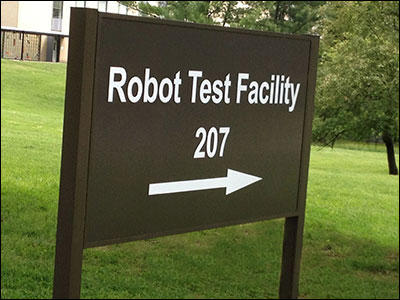 robot-test-sign-web