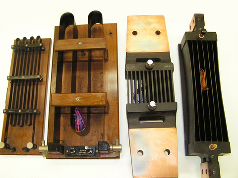 Different shunt resistor configurations.