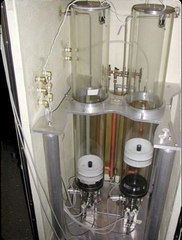 gas collection system for gravimetric hygrometer