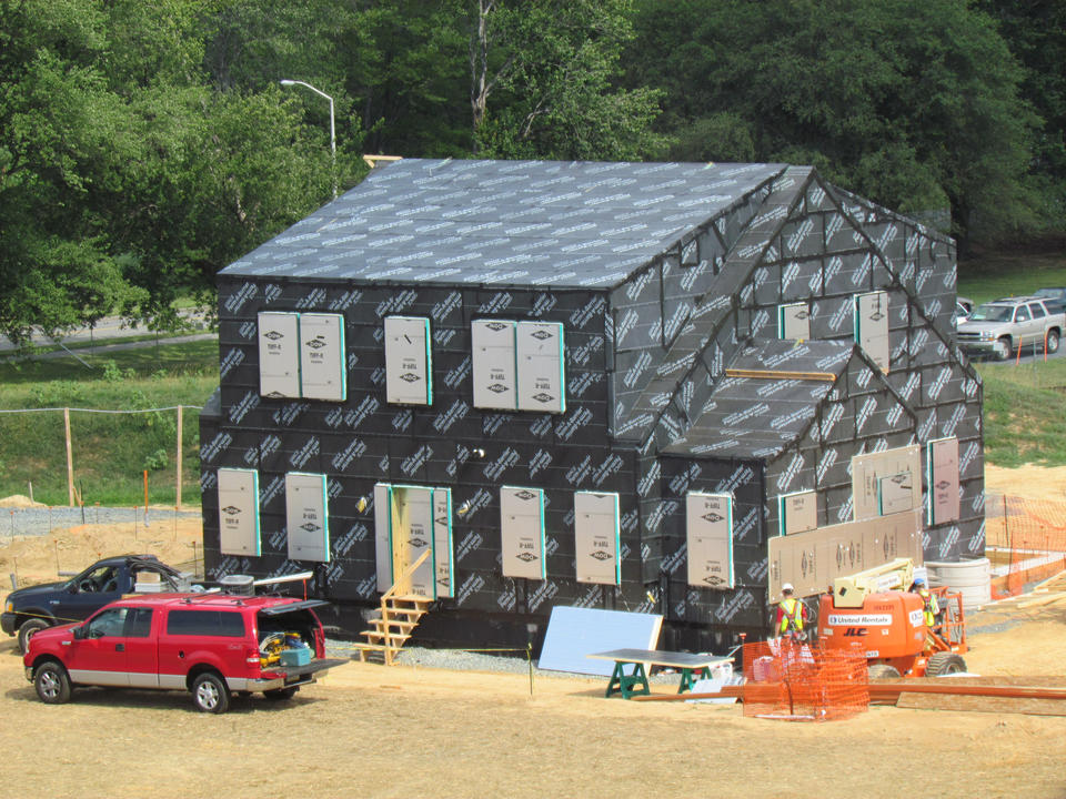 Photo of the NIST net-zero energy house under construction